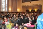 Das zahlreich erschienene Publikum nahm die Begrüßung freudig auf.