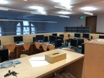 Die Mediathek kann schulweit z.B. für Internet-Recherche genutzt werden, aber auch für Präsentationen oder als Arbeitsraum für Schüler*innen