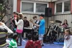 für musikalische Unterhaltung sorgen die Band der 5. und 6. Klasse...